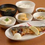 宮本むなし - 塩サバと玉子焼きの定食