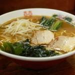 繁の家 - 料理写真:広島ラーメン650円