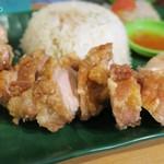 ちりばり - マレーシア鶏飯の揚げ鶏