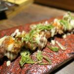 すき焼き炭火居酒屋 北斗 - 鶏肉ももマヨ七味串