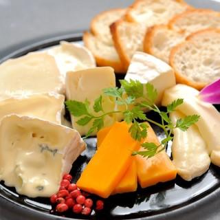 チーズダイニングならではの創作イタリアン