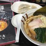 雁木 - 淡麗酸味がひとくちめにきます。麺が美味しい