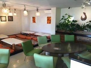 モアナ ガーデン カフェ - 8人掛けのまるテーブル!
