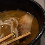 つけ麺 五ノ神製作所 - 立方体のチャーシュー
