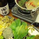 レストラン Tera - シャモロックスープ薬膳火鍋コース \3000~