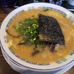 博多ラーメン ぞんたく - 料理写真:赤とんこつ