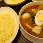 幸象 - 料理写真:あさりとイカのスープカレー チーズとっぴ