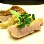 菜香餃子房 - 鳥肉の塩漬け@税込500円