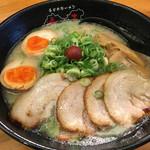 春日井ラーメン楽喜 - 塩とんこつラーメン全部増し 1050円