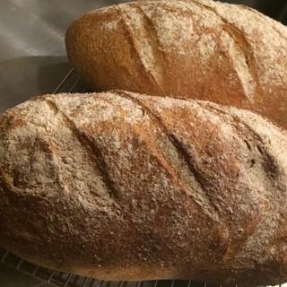 毎日焼く自家製パン!