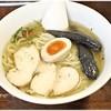 ラハメン ヤマン - 料理写真:鶏の冷た~い塩らは 950円(税別) さっぱりしつつも厚みのある鶏味!トッピングもイイ感じです♪