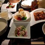 72210554 - 海老のトマトソースと重慶式麻婆豆腐のランチ