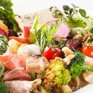 岡山の食材にこだわった料理を楽しめる、シェフのお任せコース