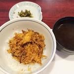 天ぷら新宿つな八 - かき揚げを天丼に。