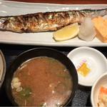 めしの助 - 日替わり焼魚定食(新さんま塩焼き)