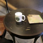 スターバックス・コーヒー - ほうじ茶ラテ、さくらマカロン