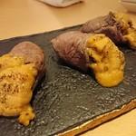 72220979 - 伊賀牛とろ肉と雲丹のバラ仕立て