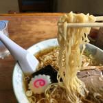 熊文 - コシの強い 細縮れ麺