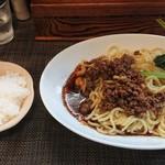 72221956 - 汁無し担々麺+ライス