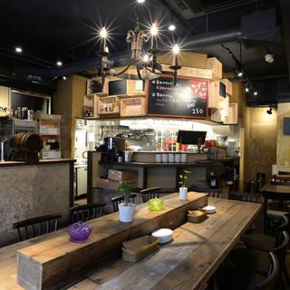 店内の雰囲気は、イタリアの街角にあるレストラン!!