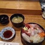 寿司処おかだ - ランチ生ちらし寿司、780円
