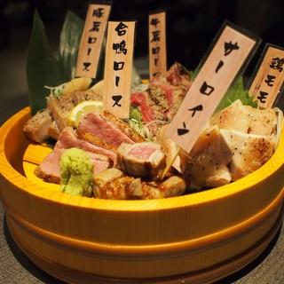 お肉の種類をカスタマイズできる【肉炉端5種盛り】
