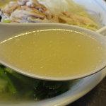 牡丹園 - 澄み切った鶏がらスープ.
