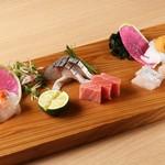 寿司饂飩まるとく - 料理写真: