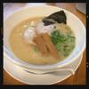 ろく月 - 料理写真:豚白湯らぁめん チャーシュー追加 780円
