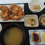 チキンハウス - 唐揚げ定食(上)