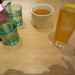 マンゴツリーカフェ - メコン水割り、ホットジャスミンティー