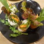 マンゴツリーカフェ - サーモンと野菜の生春巻き