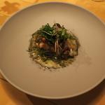 ナイン ストーリーズ - 魚料理:黒鯛のポワレとおかひじき すもものソースと焦がしバター ゆかりのパウダー1