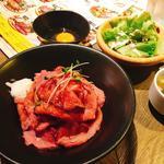 エスタジ グリル&ビア - ローストビーフ丼セット