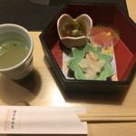 72254801 - スープと前菜