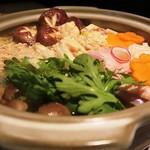 五反田 地鶏個室居酒屋 近藤 - 特製鶏すき鍋