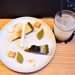 dolce panda - 宇治金時のタルトと、 オーガニックレモンティータルト、りんごジュース