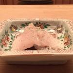 緒方 - 鱧の湯引き