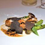 銀座 レカン - フォワグラのポワレとサマーセップ茸   黒トリュフのペリグーソース