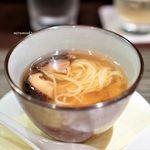 中国名菜酒家 つる見 - 椎茸の蒸しスープ