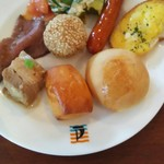 Ocean table - ローストビーフ、角煮、ゴマ団子、ソーセージ等