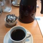 シェリダン - コーヒーはポットでたっぷり