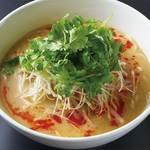 枸杞の実 - 胡桃パクチー坦々麺