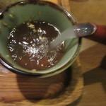 武蔵野そば処 - 蕎麦湯を注ぐ