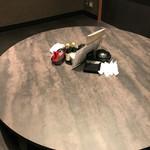 和食と個室 朧 - テーブル