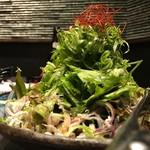 和食と個室 朧 - じゃこと水菜の越後風サラダ