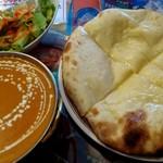 本格インドカレーChai - チーズナンセット