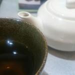 72271057 - 急須でお茶を出してくれます。夏場は冷えててありがたいです。