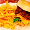 アップルビーセカンド - 料理写真:定番のアップルビーバーガーにチェダーチーズをトッピング(^_^)とポテトレギュラーです(^_^)