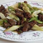 上海亭 - 牛肉と長ネギ炒め